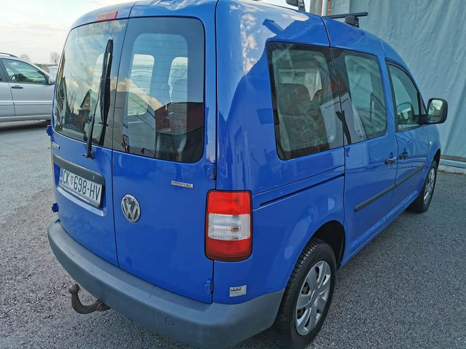 VW Caddy 2.0 EcoFuel 5 sjedala